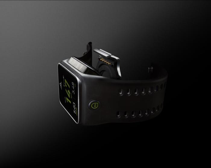 Adidas miCoach Smart Run - революционная страница в истории беговых часов
