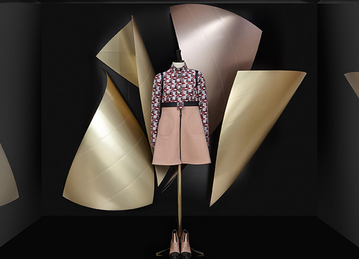 Скульптуры Фрэнка Гери в витринах Louis Vuitton