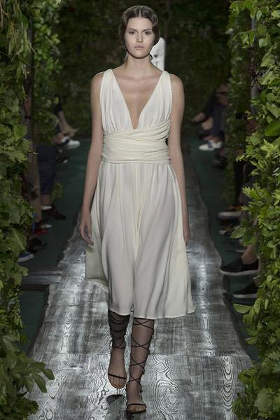 38998bbc252 Женская коллекция Valentino Haute Couture - SHOPPING FASHION