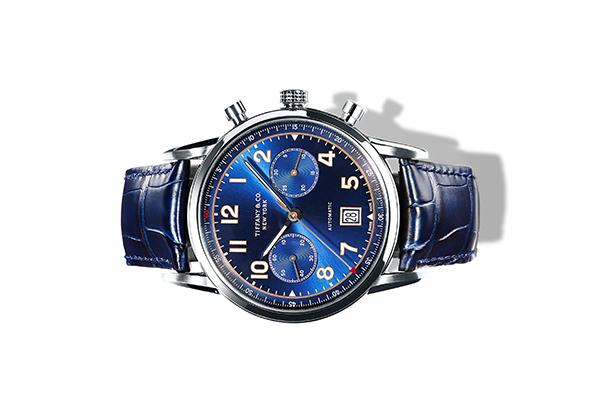 Коллекция часов CT60 в магазине Tiffany & Co. в ГУМе