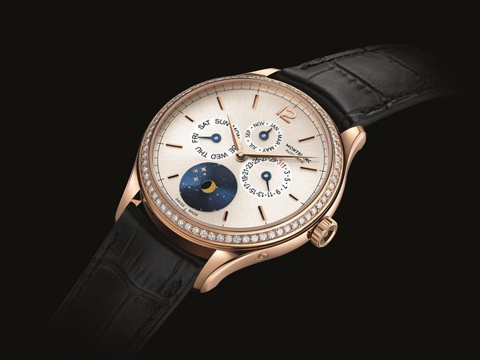 Часы Montblanc Heritage Chronometrie Quantieme Annuel