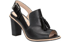 Clarks представляет летнюю обувь на каблуке