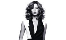 Карли Клосс — новая посланница красоты L'Oreal Paris