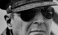 Как выбрать очки «Авиаторы»: краткий гид по истории и брендам