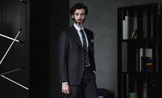 Элегантные мужские костюмы Canali в тонкую полоску