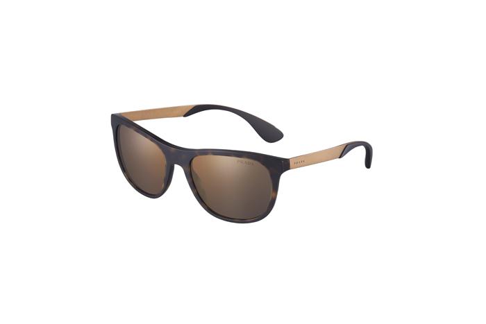 Коллекция солнцезащитных очков и оправ Prada